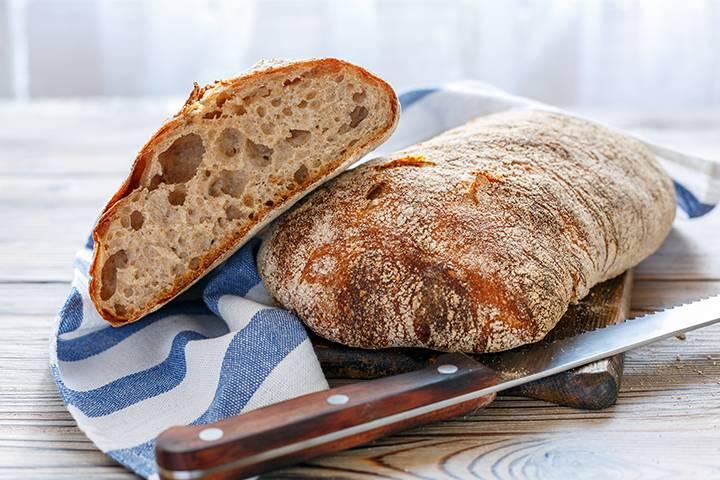 Ciabatte e bocconcini di pane: come ottenere un impasto elastico (dentro) e fragrante (fuori)